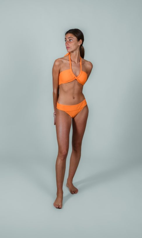 The Athletic body | bikini capri nael delante 1 487x812 | Nael