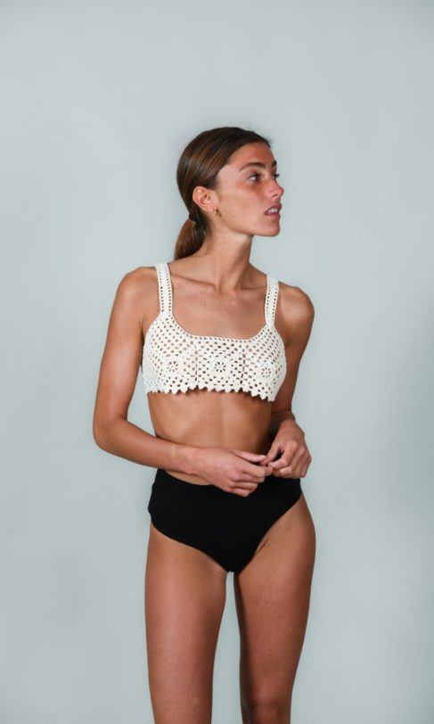crochet-bikini-top-front-view-model-nael
